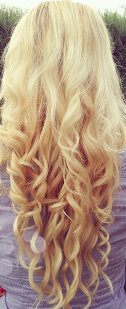 #613 Bleach Blonde Body Wave Hair Weft