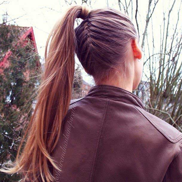 Upside-Down-French-Braid-Ponytail