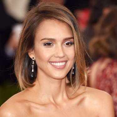 10. Jessica Alba's Perfect Blowout
