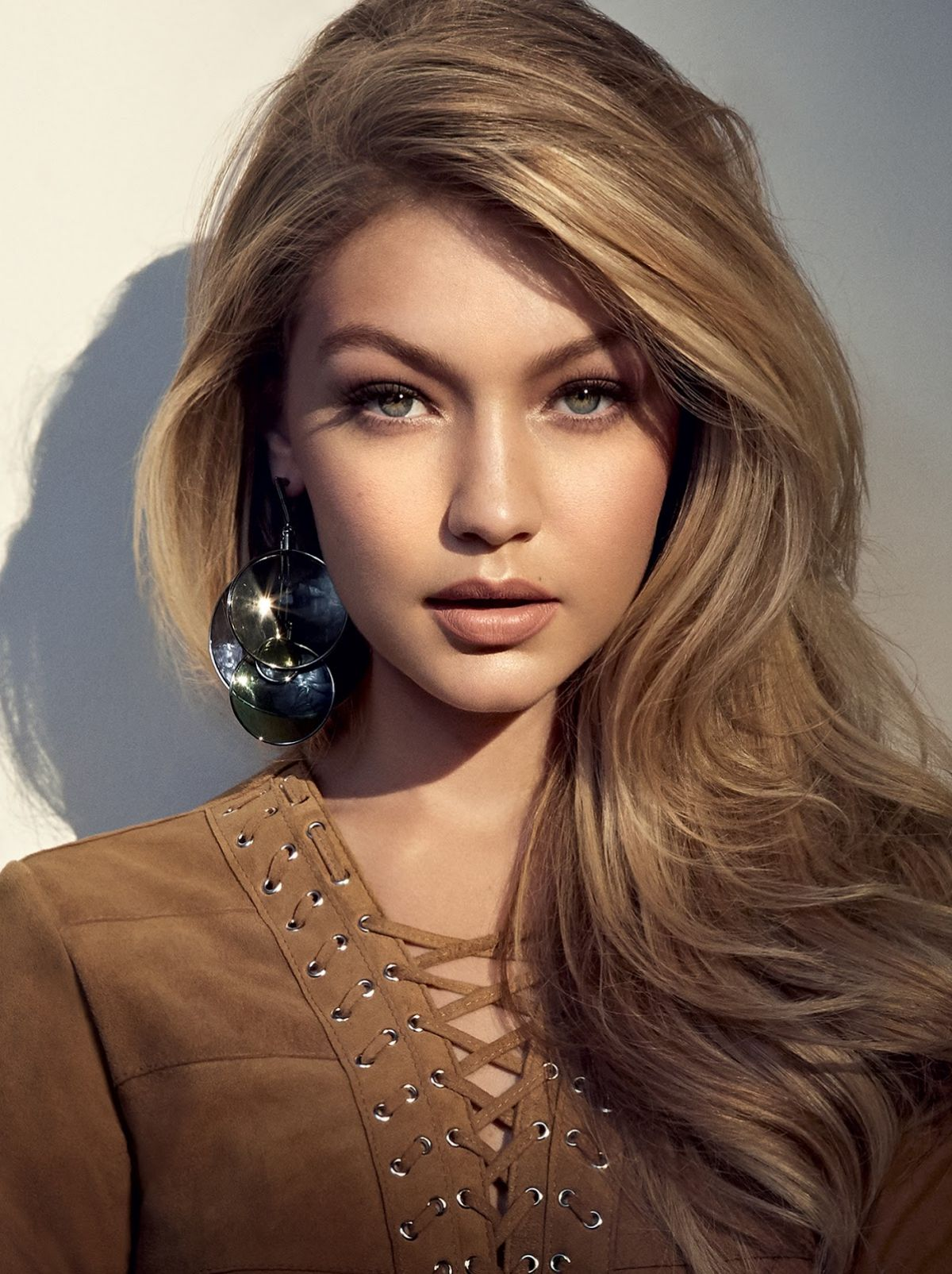 Gigi-Hadid-Hair-Colors-for-2016-Winter